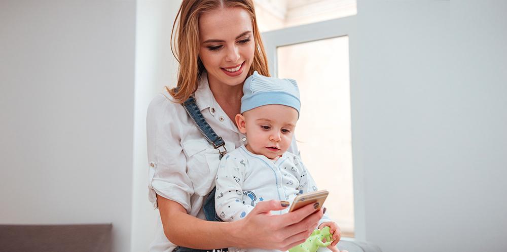 parents connectés, des applications pour téléphone très pratiques avec l'arrivée de bébé